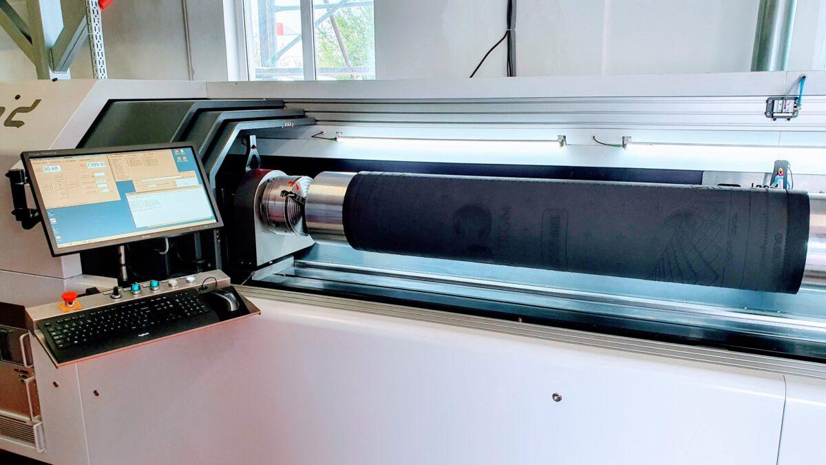 Wir sind mit unserem neuen DLE HYBRID 3.1 Laser in voller Produktion 3